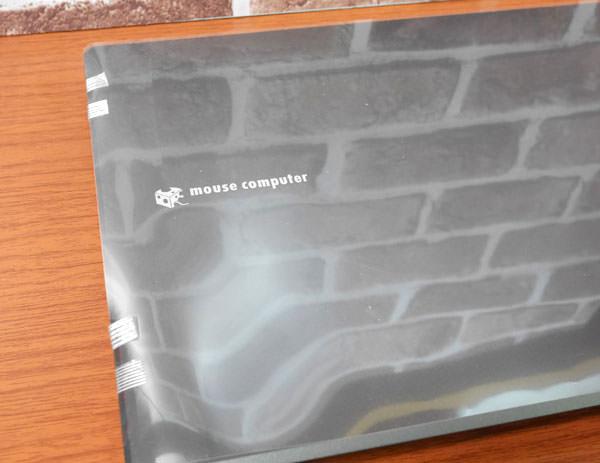 LB-F531XN-SSDには透明フィルムが貼ってあり保護されている