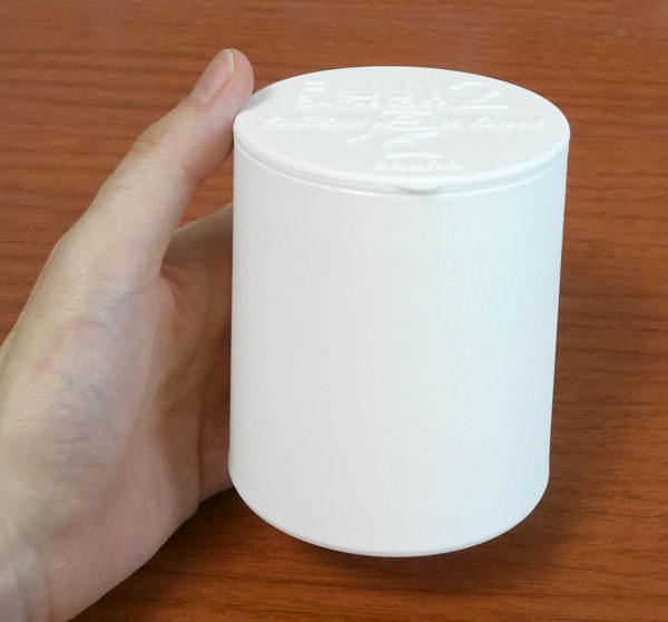 手で持った大きさ コーヒーカップくらいの大きさ