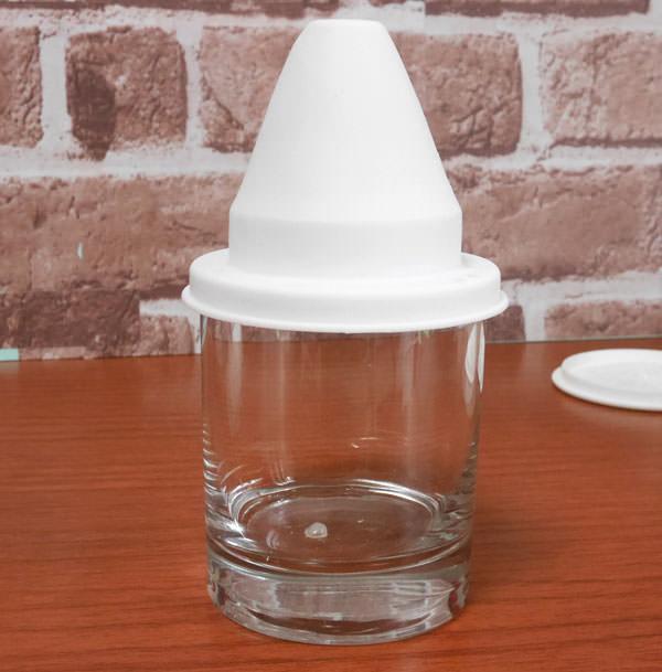 型の縁がグラスの大きさとピッタリ合って氷を出しやすかった