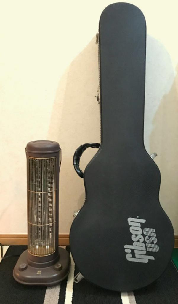 サイズ感を比較 ギターの大きさと比べてみた画像