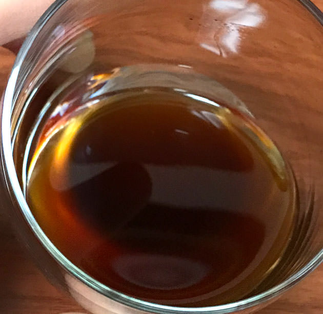 原液の色や質感 さらっとして黒糖の匂いがする