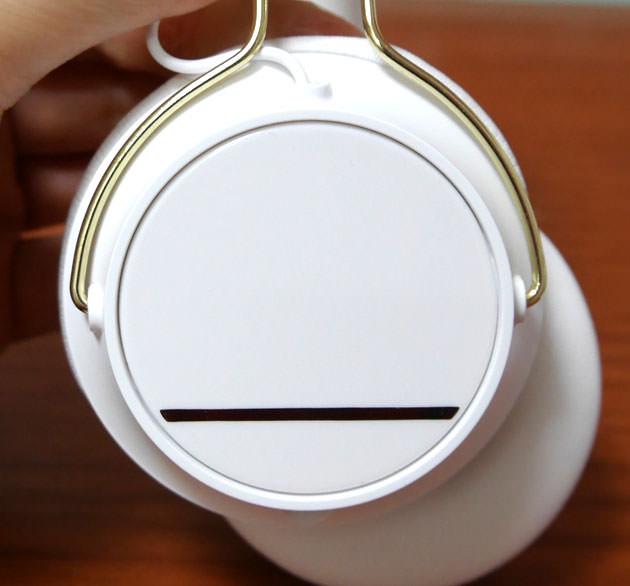 ヘッドフォンキャップ交換方法1 交換前の画像