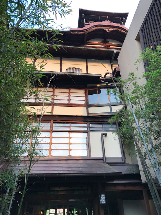 LE UN(ルアン)FUNATSURU KYOTO KAMOGAWA RESORTの歴史ある建物