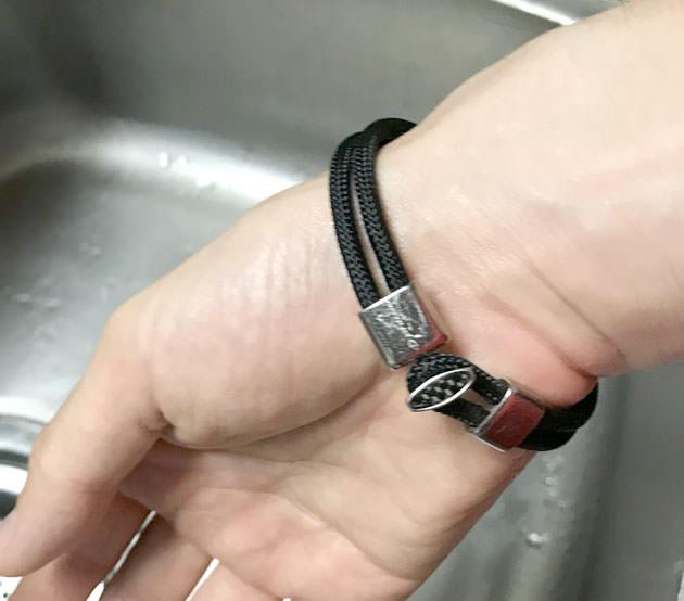 手を洗うときに下がってきて洗いづらいことがある