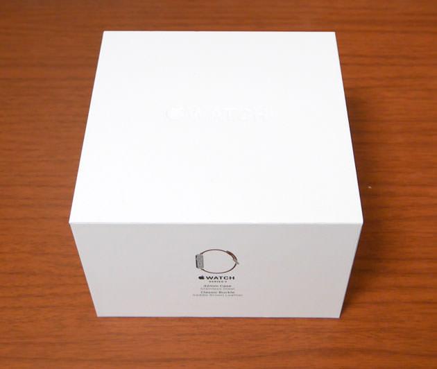 Apple Watch Series 2 42mm ステンレススチールケースとサドルブラウンクラシックバックル パッケージの箱