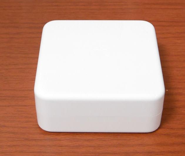 白いケースは真っ白で何も書かれていない