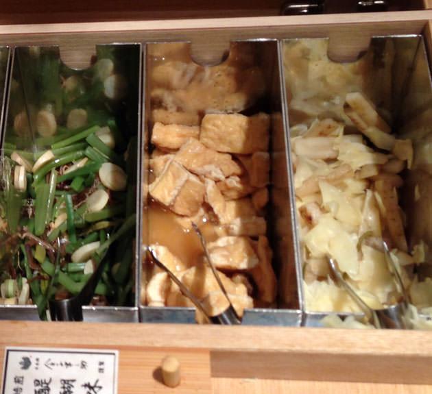 ゴボウとガリ 油揚げ山菜 など