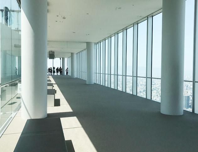 とてもシンプルで美しいデザインの展望台