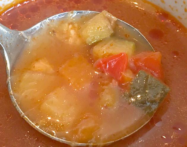 オニオンスープは濃厚で美味い