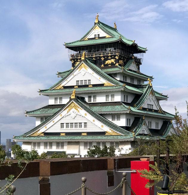 大阪城は「平成の大改修」で綺麗になっている