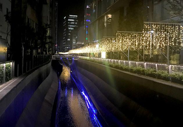 渋谷ストリームの渋谷川ライトアップ