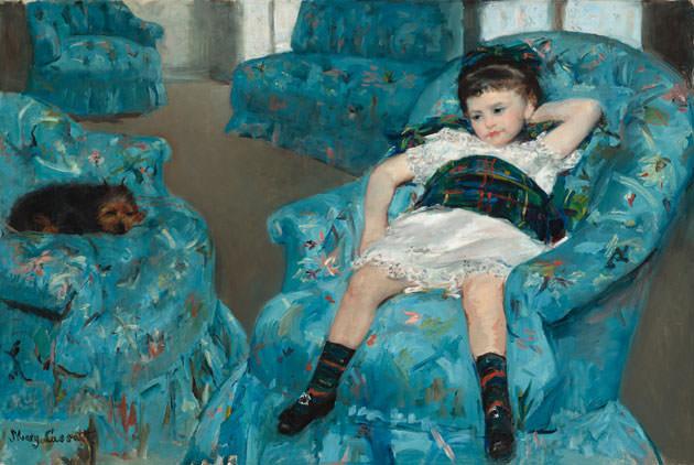 メアリー・カサット「青いひじ掛け椅子に座る少女」