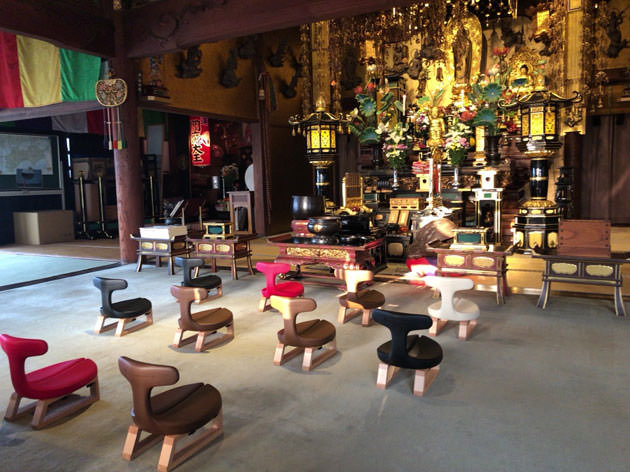 栃木県 浄土宗光琳寺に導入された『あぐらイス』
