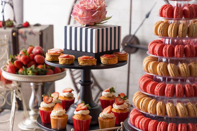 コンラッド大阪 『「Strawberry in Paris パリに恋して」ストロベリースイーツビュッフェ』