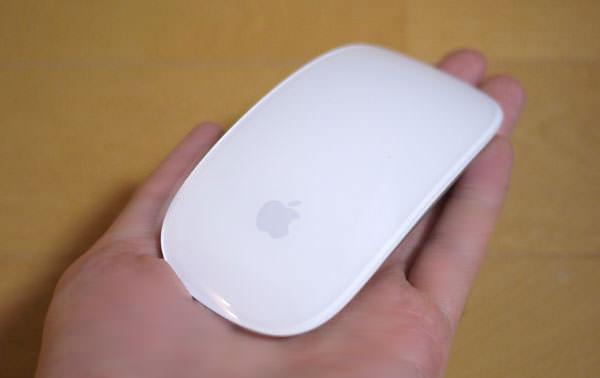 Apple Magic Mouseの大きさ 手で持ってみた