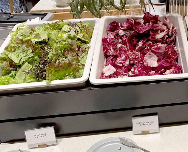「グリーンサラダ」と「赤い野菜のサラダ」