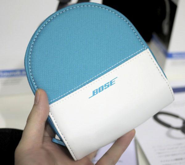 ボーズ サウンドリンク オンイヤー Bluetooth ヘッドホン キャリングケースはツートンカラーでオシャレ