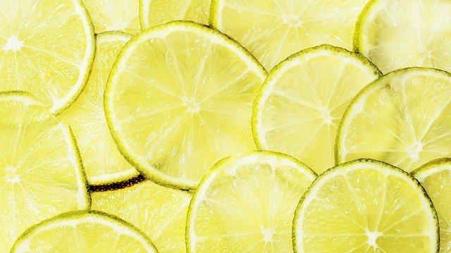 レモンと塩で手軽にお掃除