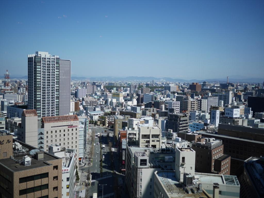 ゲートタワー15階から見下ろす名古屋の街
