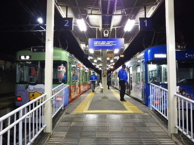 夜の石山寺駅