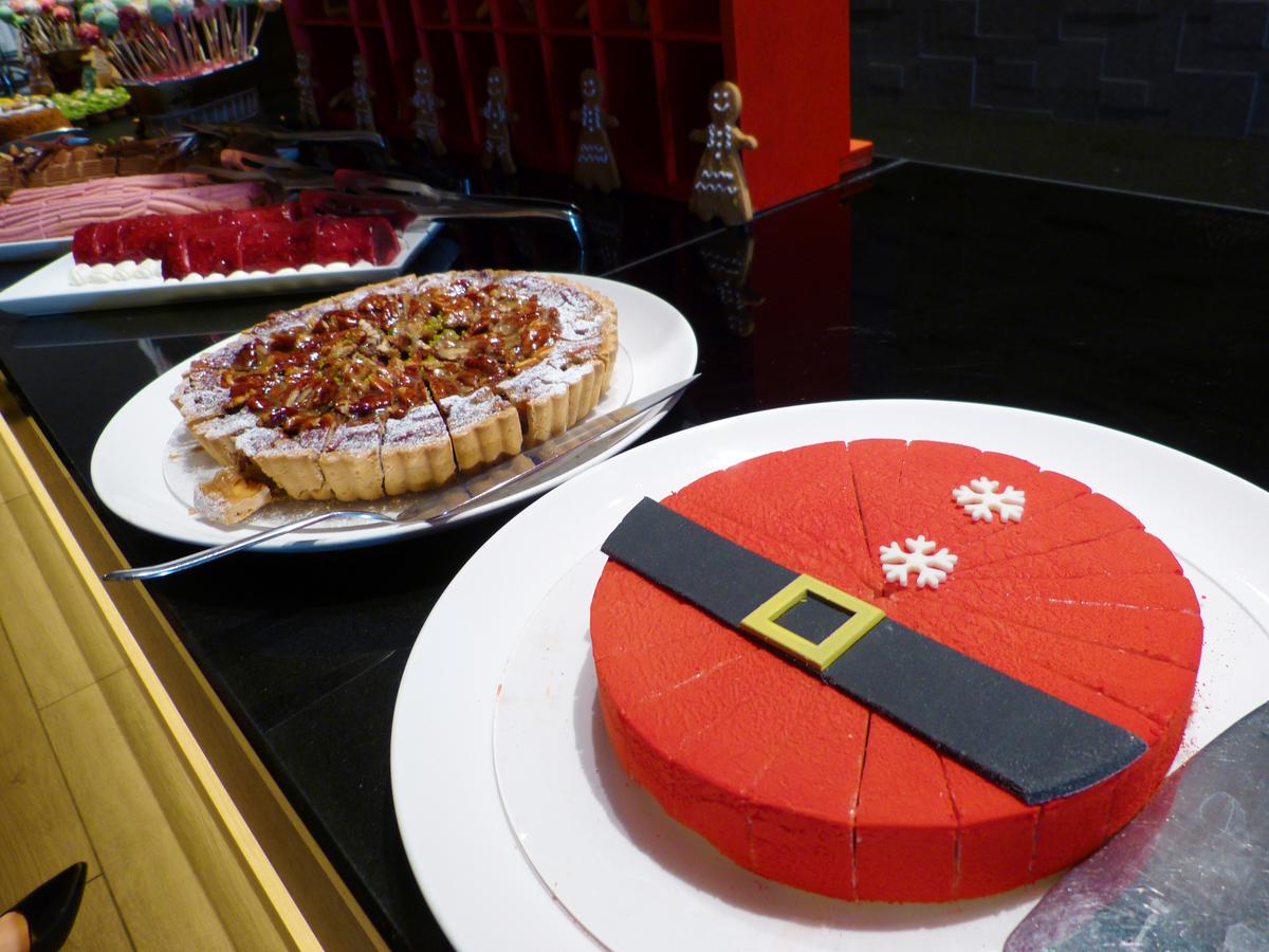 サンタのベリーベリーケーキ