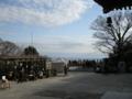 長谷寺お堂のあたりから海を眺める