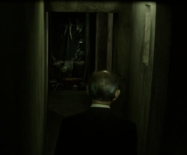 映画「クリーピー 偽りの隣人」西野の家の通路