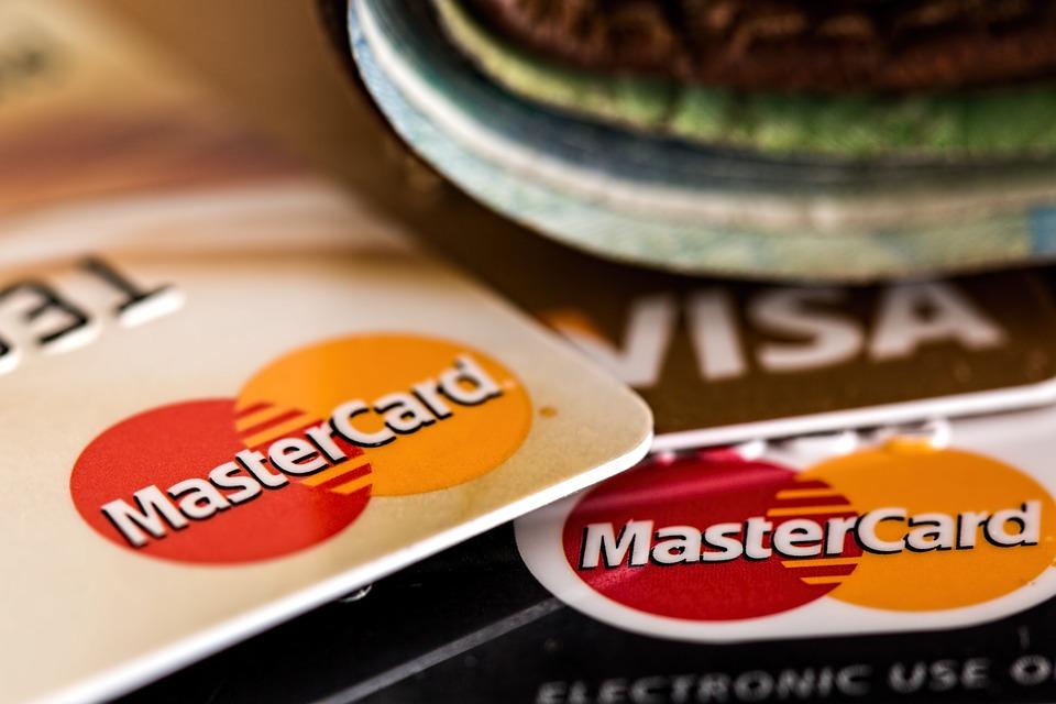 佇むクレジットカード