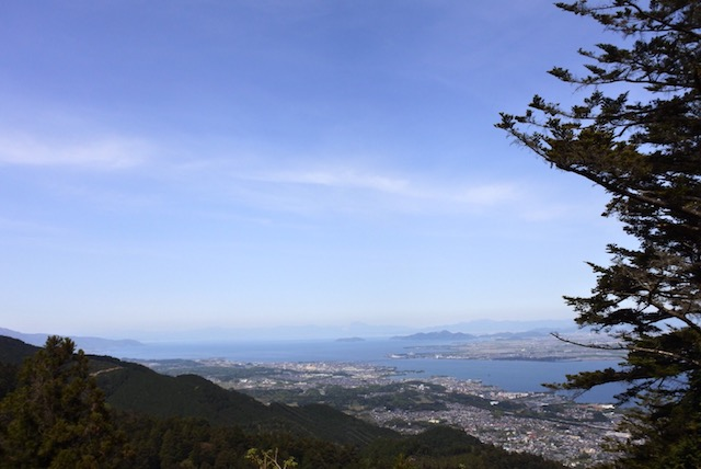 坂本ケーブル駅前から見える景色