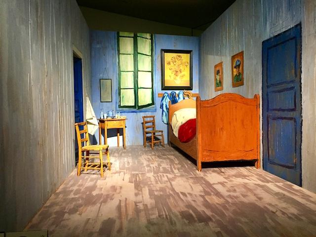 ゴッホの絵を再現した部屋