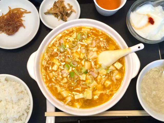 海鮮入り豆腐煮海老味噌ソース