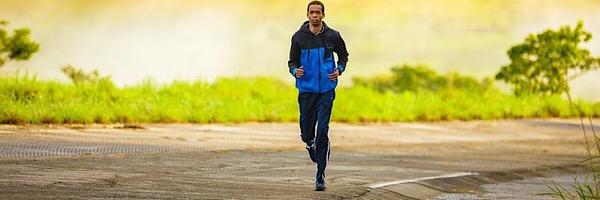 運動で健康になりストレスを解消するベアフットランニング