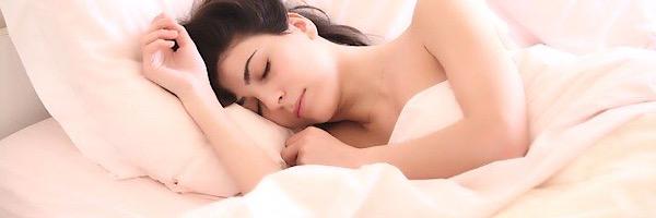 下っ腹の肉を落とし睡眠の質もあげるプチ断食