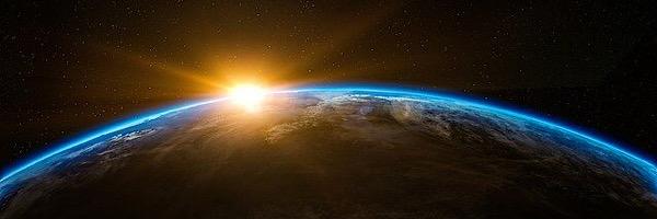 朝方まで起きるのは地球の原理に逆らうやり方