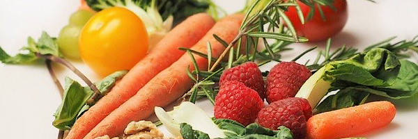 おやつは生の野菜と果物をとると健康に良い