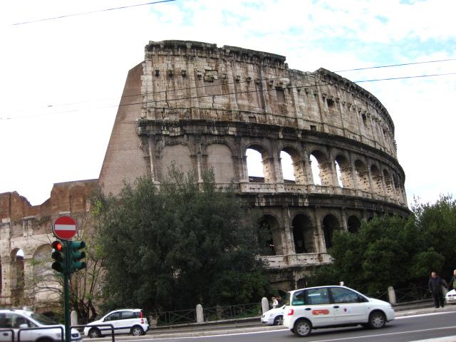 ローマ(コロッセオ)