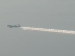 機窓からの飛行機写真