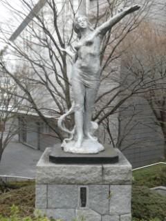 平和の女神像写真