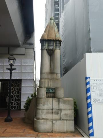 旧京橋親柱・ガス灯写真