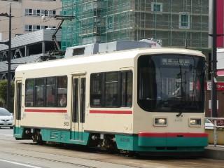 富山地方鉄道・デ8000形車両写真