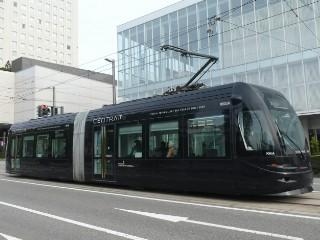 富山路面電車・セントラム写真