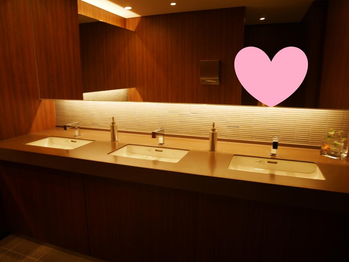 結婚式場  LUCIS(ルーキス)東天紅上野本店 化粧室 トイレ 手洗い場 化粧台
