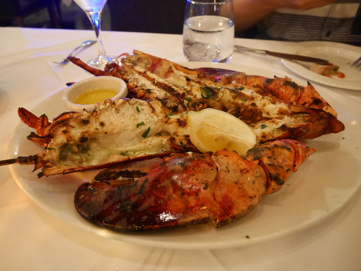 アメリカ サンタモニカ SantaMonica おすすめ 人気 レストラン ロブスター  【GRILLED MAINE LOBSTER】(38$)