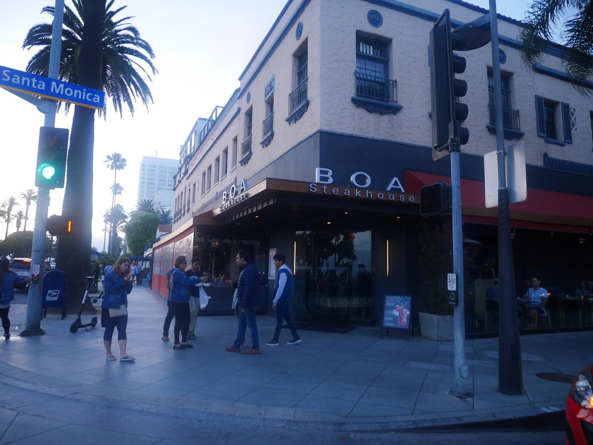 アメリカ ステーキハウス 【BOA Steakhouse SantaMonica】外観