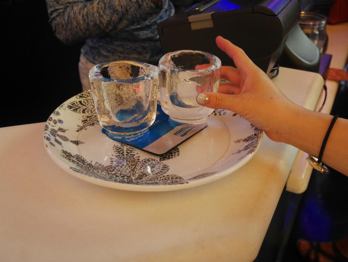 氷のグラス アメリカ ラスベガス ホテル マンダレンベイ minus5º Ice Experience マイナス5・アイスエクスペリエンス 入口 カウンター