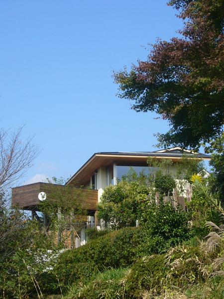 落葉舎-三つの庭を持つ家-