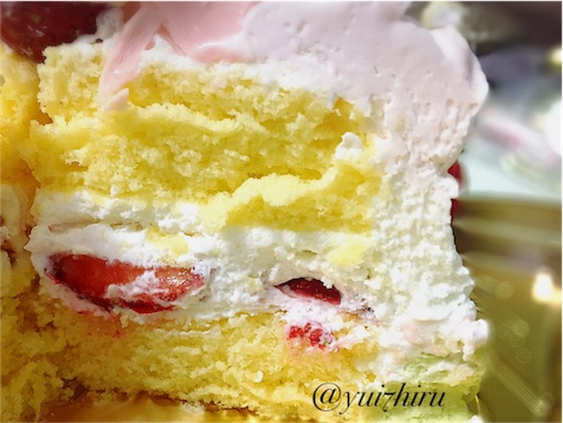 ひなまつりケーキの中身