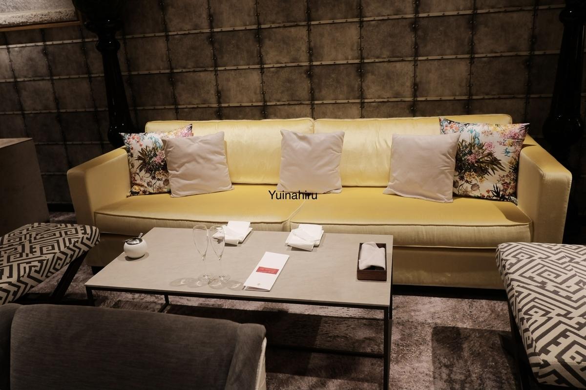 大きいソファ席で居心地良い