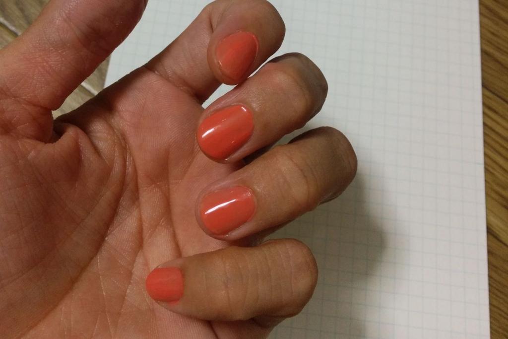 シャネル ヴェルニ オレンジフィズを塗ってみた様子