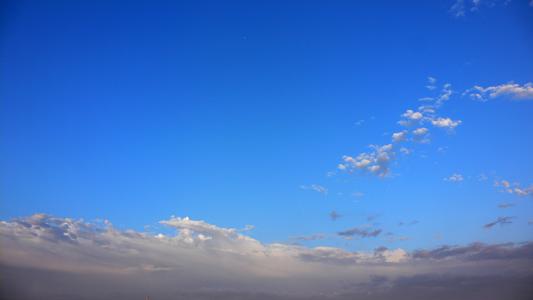 雨上がりの東の空